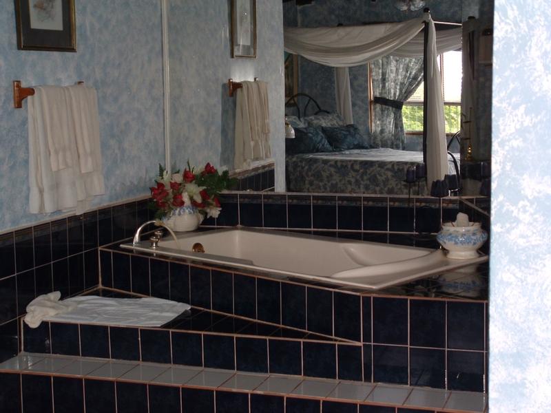 Villa_casa_blanca_honeymoon_suite_1
